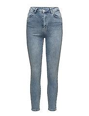 Amy 835 Crop, Blue Silky, Jeans - BLUE SILKY