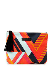 O-Claire Graphic Clutch - Kiss