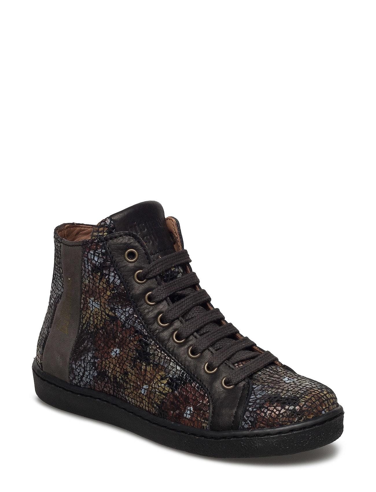 2f665962e9a Shoe With Lace Bisgaard Sko & Sneakers til Børn i. I dette indlæg kigges  der på hvorledes man kan finde ...
