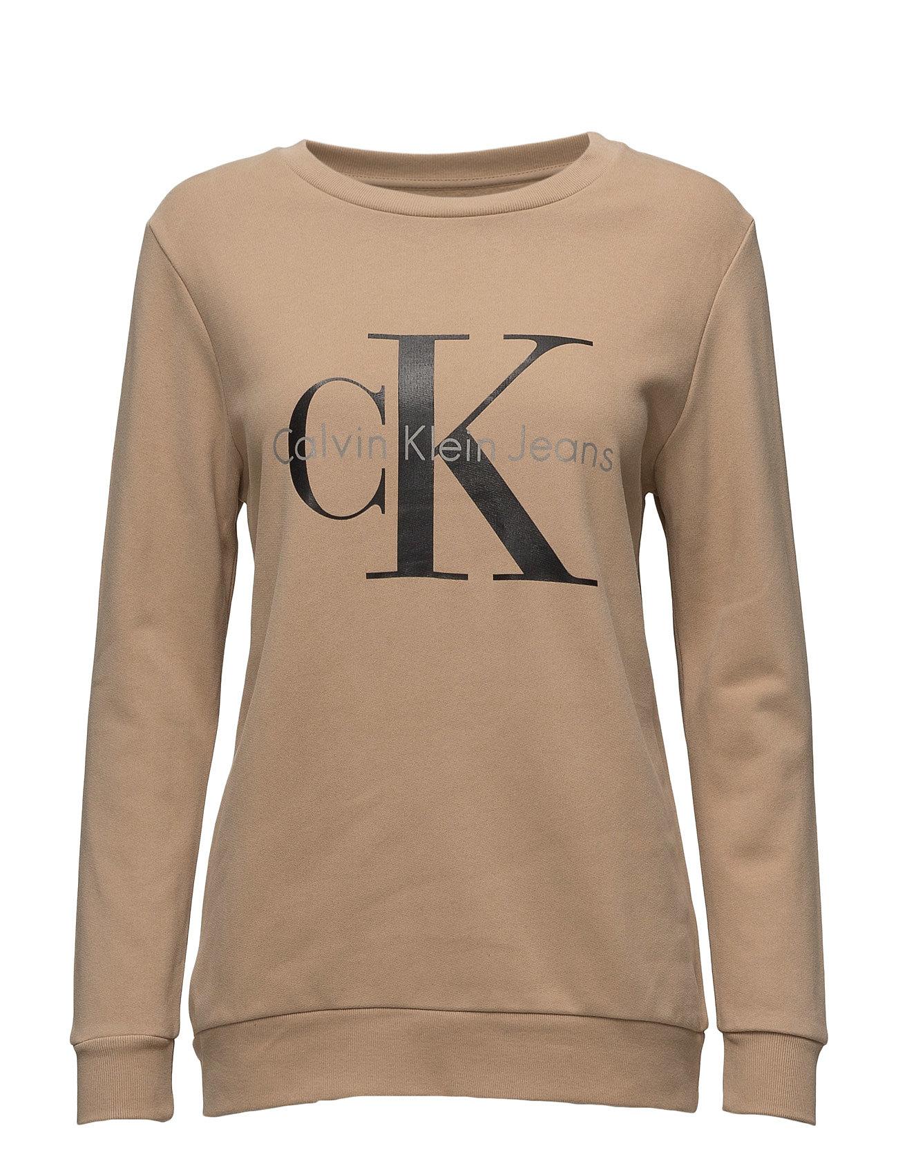 5c813aaed7cf Find Crew Neck Hwk True I Calvin Klein Jeans i tannin til Damer i en online  fashion store