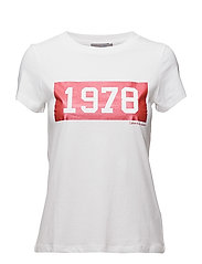 TAMAR-50 CN TEE S/S, - BRIGHT WHITE / TANGO RED