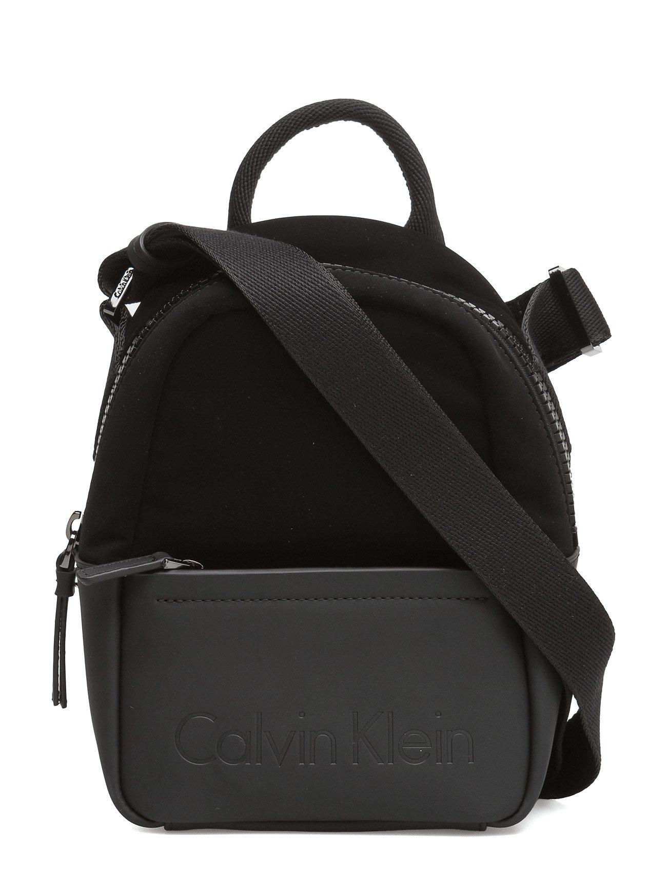 Susi3 Small Crossbod Calvin Klein Små tasker til Damer i Sort