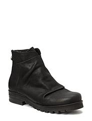 Boots - BLACK RUSTIK 10