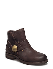 BOOTS - BROWN