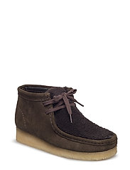 Wallabee Boot. - PEAT SUEDE