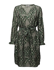 Cupro dress w. tie band & Japanese - JAPANESE WAVES GREEN