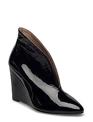 Day Straight Ankle Boot