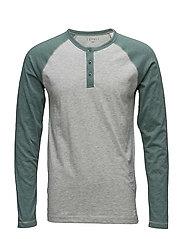 T-Shirts - LIGHT GREY