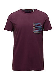 T-Shirts - BORDEAUX RED 2