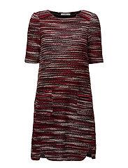 Dresses knitted - GARNET RED