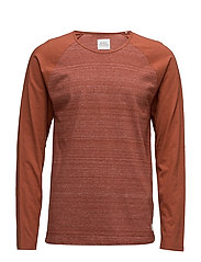 T-Shirts - RUST BROWN