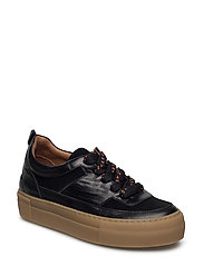 Corinne Sneakers - BLACK