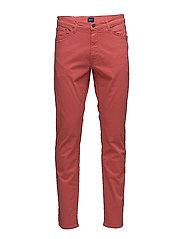 SLIM DESERT JEANS - RED SPICE