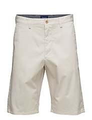 O1. RELAXED TWILL SHORTS - PUTTY