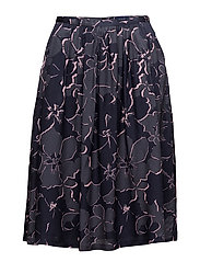 Gant - O1. Floral Shadow Skirt