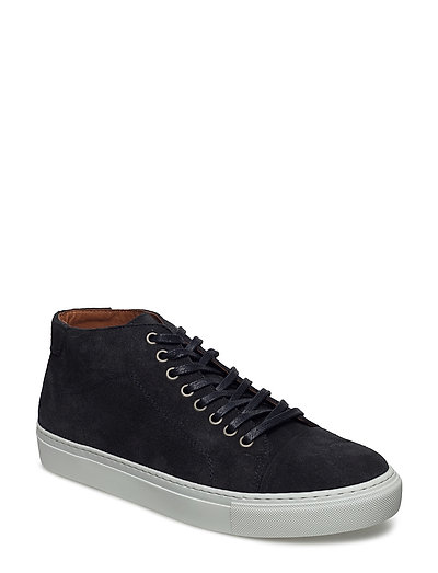 Classic Lace Mid Sneaker