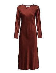 Saga dress AO17
