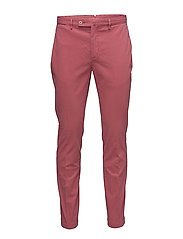 KENSINGTON SLIM CHINO - DUSTY BERRY