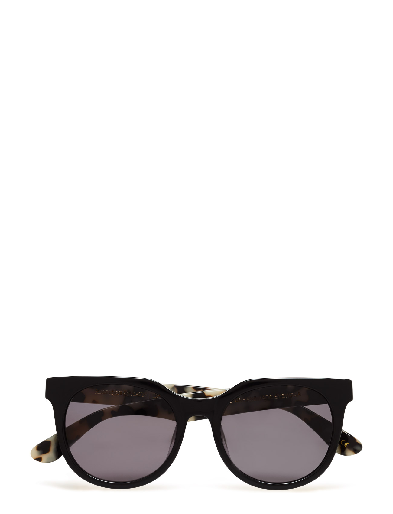 d6aa93c8 Superstilige Paul Senior – Black/ Snow HAN Kjøbenhavn Solbriller til i  flotte materialer
