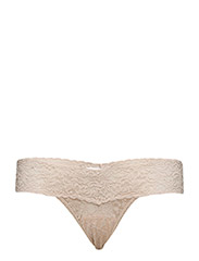 LOW RISE THONG SIGNATURE LACE - CHAI
