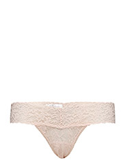 LOW RISE THONG SIGNATURE LACE - VANILLA