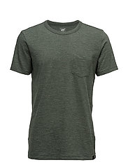 POCKET TEE FOREST GREEN - FOREST GREEN