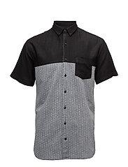 ColourblockedshirtS/S - BLACK