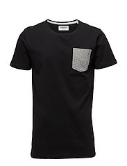Tee with contrast pocket S/S - BLACK