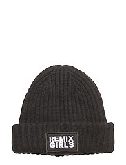 LR Sydni Badge Hat - BLACK