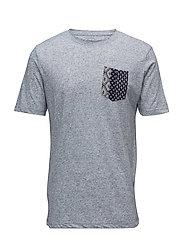 Contrast chest-pocket t-shirt - GREY