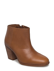 Zipped leather ankle boots - BROWN