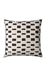 ISO NOPPA CUSHION COVER - OFFER WHITE, BLACK