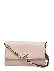 XL WALLET ON A CHAIN - SOFT PINK
