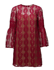 BELL SLEEVE LACE DRS - RASPBERRY