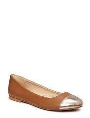 Mimic Copenhagen Leather ballerina
