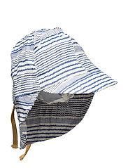 Konrad Hat, B - TRUE NAVY