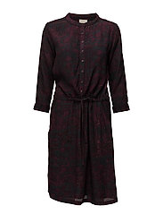 Lilliana dress - SHADOW PRINT WINERED