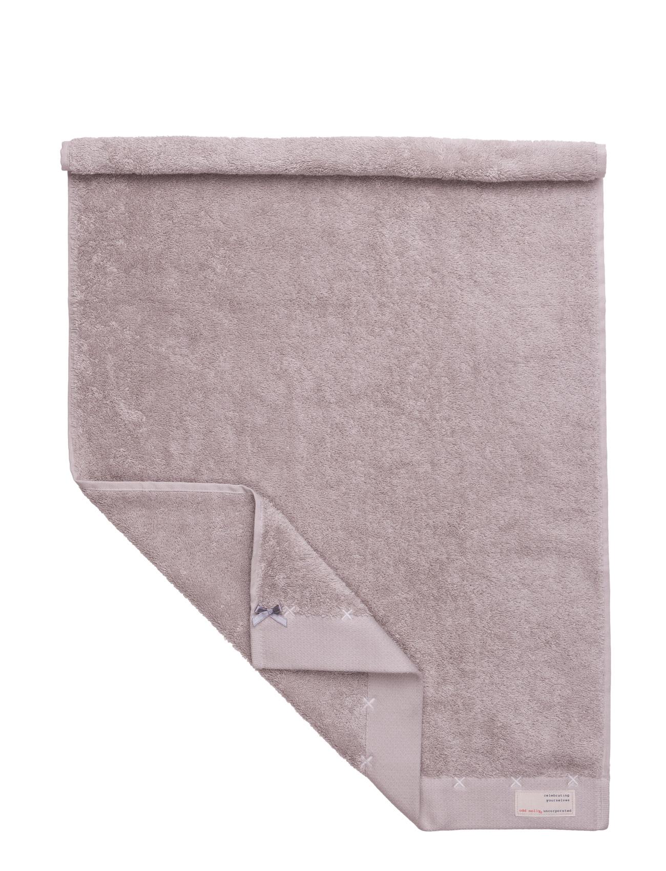 Sunday morning hand towel fra odd molly home på boozt.com dk