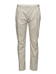 CLASSIC-FIT PLEATED CHINO - CLASSIC STONE