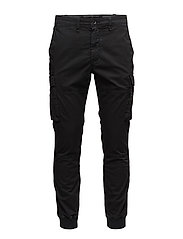 Slim Fit Modern Cargo Pant - POLO BLACK