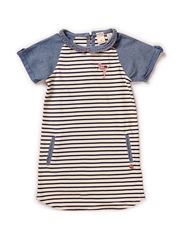 Stripe dress with chambray - dessin A