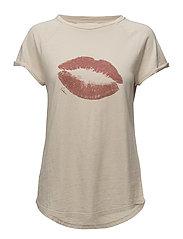 Lip T-shirt - VANILLA LIPSTICK