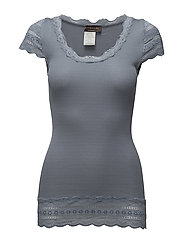 Silk t-shirt medium w/wide lace - TRADEWINDS