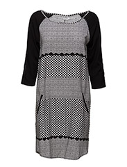 PRINTED DRESS WITH POCKETS - BLACK