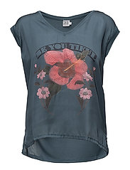 T-SHIRT W. FLOWER PRINT - ORION B.