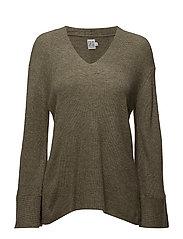 Saint Tropez - Wide Sleeve Sweater