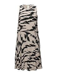 Evonne dress aop 6616 - EDGE
