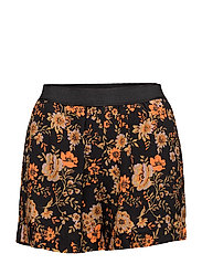 Nessie shorts aop 6515 - BLACK BLOOM