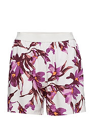 Nessie shorts aop 6515 - FLORA