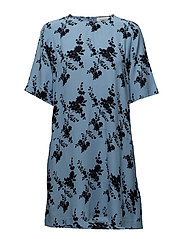 Adelaide dress aop 6515 - BLUE BLOOM